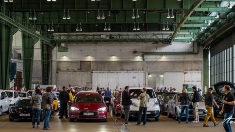 Guinnes bestätigt Weltrekord der längsten E-Mobil-Parade der Welt