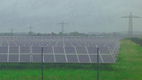 Pflicht zum Solarstrom für fossile Kraftwerke