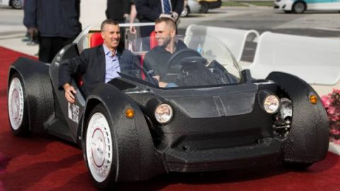 Das Elektroauto Strati von Local Motors aus dem 3D-Drucker in 2 Tagen fertig