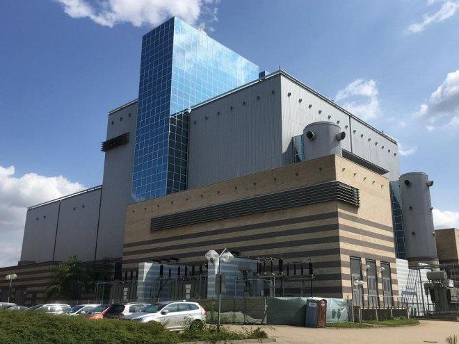 Oftmals sind kommunale Wärmeerzeugungskapazitäten, wie hier ein Gas- und Dampf-Kombikraftwerk (GuD), sowie die aufwändigen Netze der Grund für Anschluss- und Benutzerzwänge. In Leipzig, wo das abgebildete GuD steht, gibt es jedoch keinerlei solche Zwänge. Foto: Urbansky