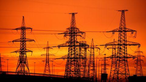 Erneuerbare decken erstmals 35 % des Strombedarfs