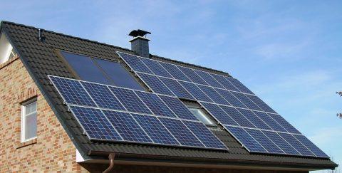 Schon eine Million Eigenheime ernten Solarstrom