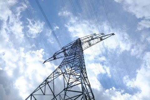 Stabile Stromnetze: deutlich weniger Noteingriffe durch Betreiber