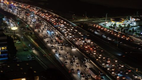 Steigende Emissionen durch höhere Motorleistung der Pkw